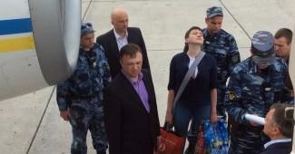 Геращенко рассказала о сложной операции освобождения Савченка, которая едва не сорвалась (ФОТО ПЕРЕДАЧИ САВЧЕНКО)