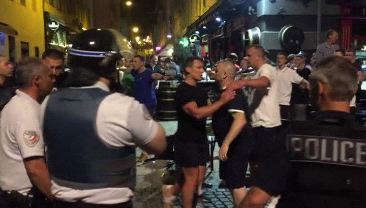 СРОЧНО! Французы собираются выдворить из страны всех российских болельщиков! После матча эти мрази убили 4 людей (ВИДЕО 18+)