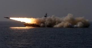 ЖУТКОЕ ЧП на учениях ВМС РФ в Крыму! Крейсер Черноморского флота случайно разбомбил катер с морской пехотой