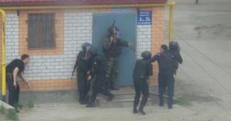 """ЭКСТРЕННОЕ СООБЩЕНИЕ! """"Зеленые человечки"""" захватили целый город Актобе в Казахстане! Введен чрезвычайны режим, по всем городу взрывы и стрельба (ВИДЕО)"""