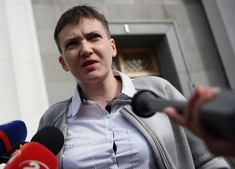 ФОТО НЕДЕЛИ! Журналисты сфотографировали небритые ножки Савченко (ФОТО)