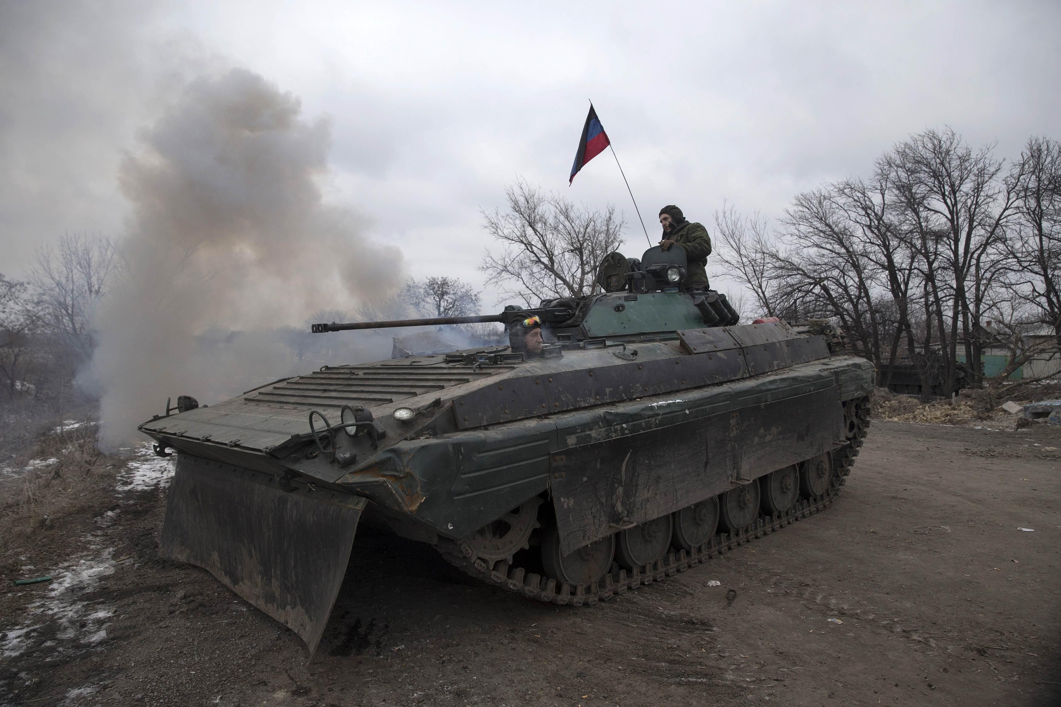 Боевики в разрез обещанному перемирию пошли в новое наступление на Авдеевку не давая провести эвакуацию населения (ВИДЕО БОЯ С ПЕРЕДОВОЙ)