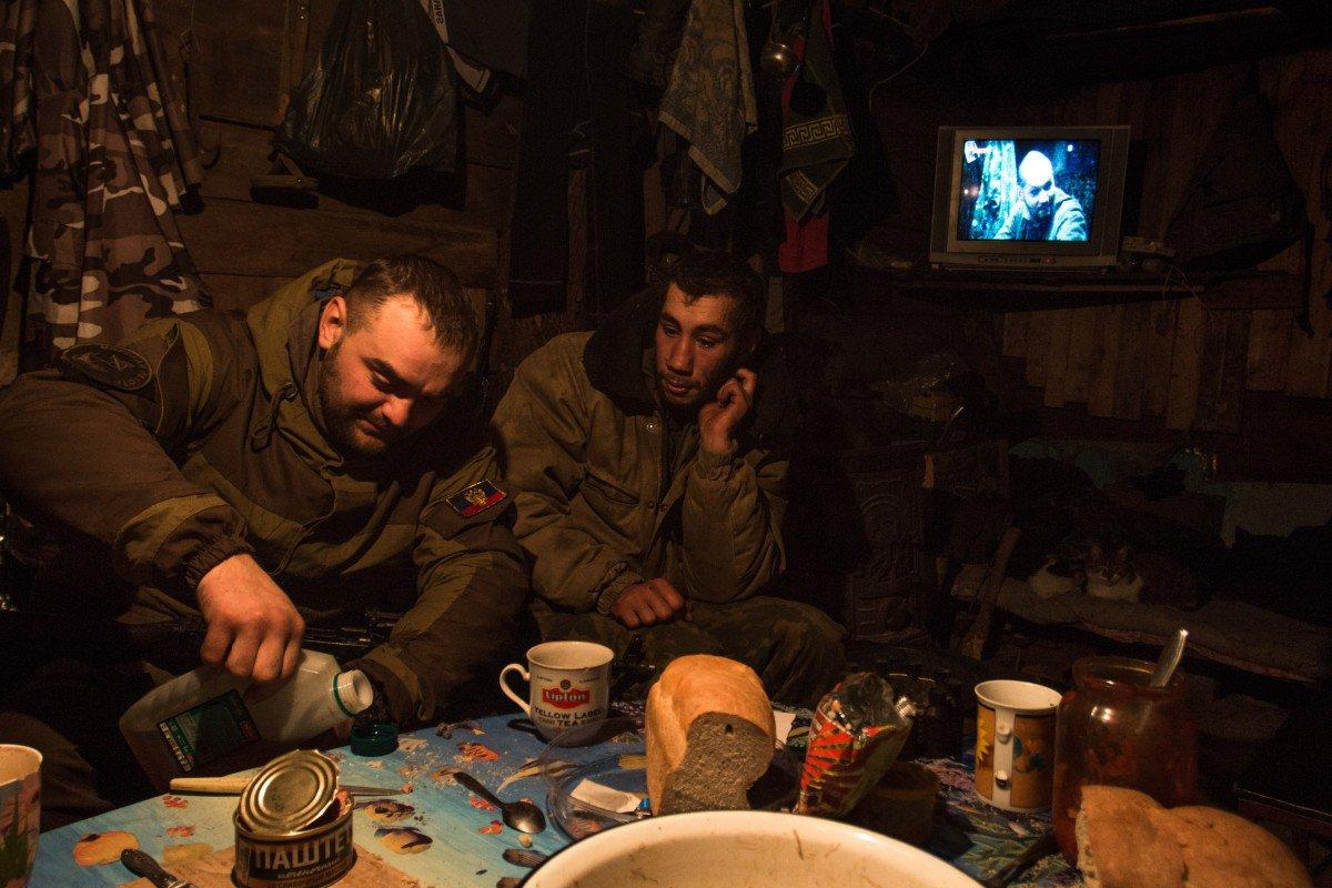 """В """"Л/ДНР"""" критическая ситуация из-за туберкулеза! Российские военные начали стрелять своих ещё живых но больных """"братьев по оружию"""""""