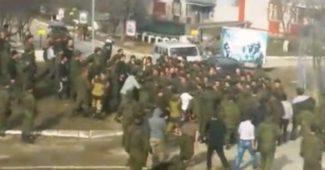 Сразу несколько погибших в результате кровавой резни на этническом фоне в российской армии