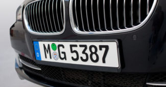 european-license-plate-closeup-big-725x464