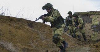 armija_rosija_soldaty_576