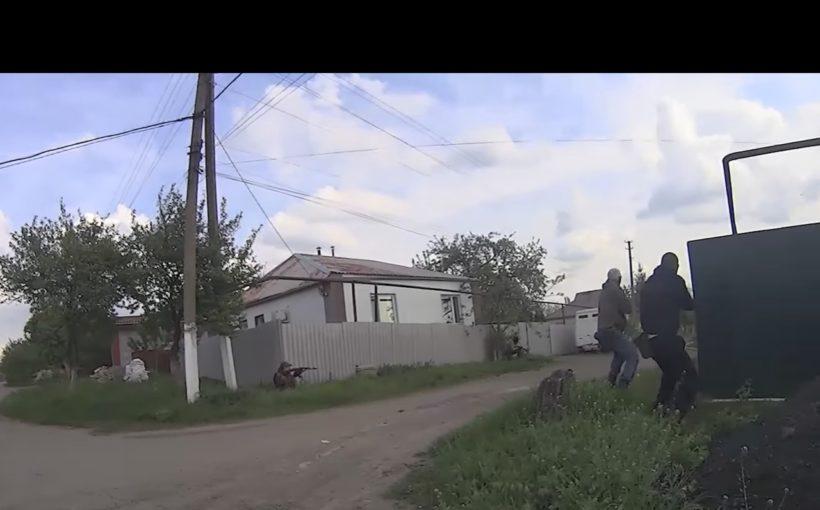 ЭПИЧЕСКИЕ КАДРЫ МЕСИВА! Банды боевиков «ДНР» по ошибке перестреляли друг друга (ВИДЕО С НАГРУДНОЙ КАМЕРЫ УБИТОГО СЕПАРА)
