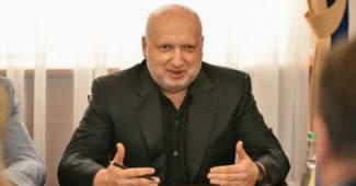 Вслед за Луценками Турчинов также отреагировал на заявление Гриценко о его сыне