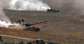 В Нагорном Карабахе снова ВОЙНА! Армения танками пошла в наступление
