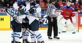 ПОЗОР! Россия разгромно проиграла финам в домашнем полуфинале ЧМ по хоккею (ВИДЕО)