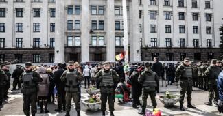 «Нехр*н лезть в Одессу!» Активисты прогнали из города нардепом из Опоблока и приехавшую Повалий с мужем (ФОТО + ВИДЕО)