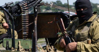 epa04296083 Pro-russian rebels patrols outside of Luhansk, Ukraine, 02 July 2014. Fighting in eastern Ukraine resumed a day earlier, hours after the Ukrainian President declared an end to a ceasefire that had only been patchily observed.  EPA/STRINGER