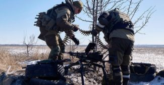 ДНР продолжила продолжает наступать и бомбить Авдеевку, а под Саханкой накрыли свои же позиции (ВИДЕО)