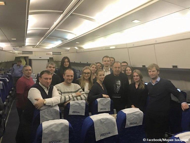 Перепившего Лаврова, который отмечал день рождение, прямо с борта самолета с интоксикацией отвезли в больницу