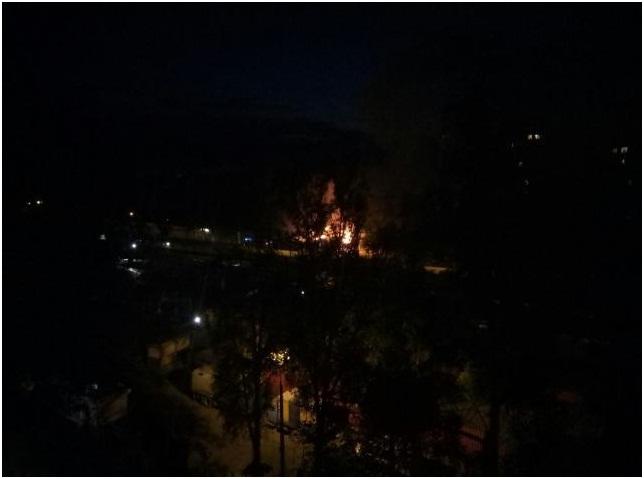 В Донецке жгут МАФы, которые отказались платить особую дань Захарченку (ФОТО)